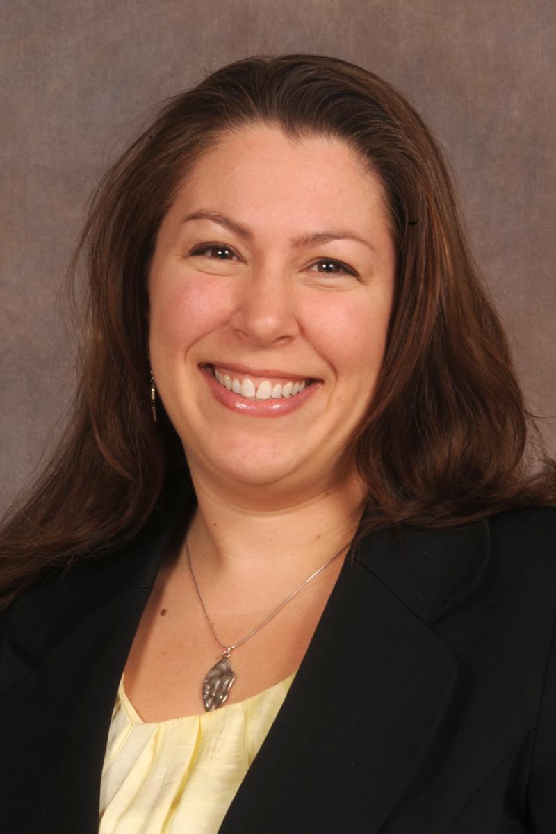 Dr. Suzanne Gray Headshot
